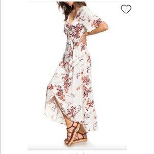 NWT Roxy wrap print dress